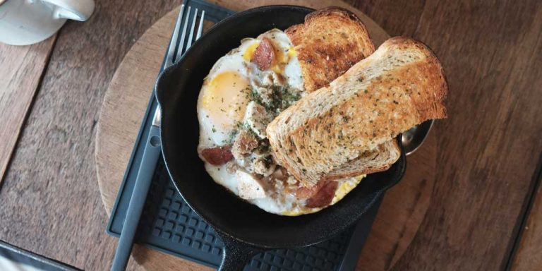 Cast-Iron-Skillet-on-Glass-Stove-top