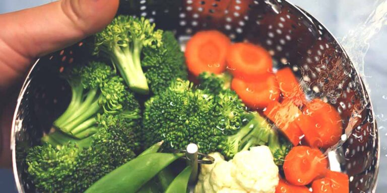 Advantages and Disadvantages of Steaming Food