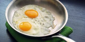 How to Clean Stainless Steel Pans with Vinegar